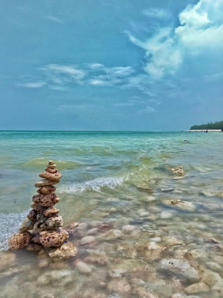 Pantai di Pantura yang Indah dan Luas