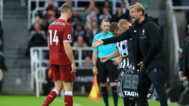 Klopp Tidak Khawatir Dengan Henderson Yang Absen Ketika Melawan Everton