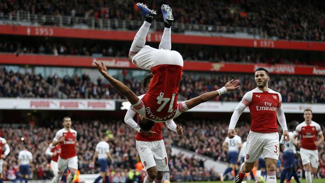 Aubameyang Membantu Arsenal Mengalahkan Tottenham