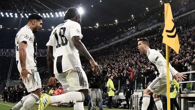 Yang Dilakukan Oleh Ronaldo Pada Saat Menandatangani Baju Real Madrid